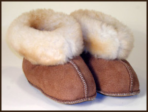 sheepskin-slippers-kids-the-leather-works