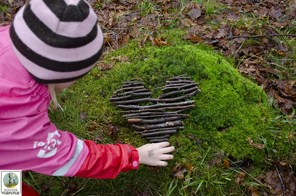 Valentine's Day Nature Art. Create land art as a way to connect children with nature. Great nature activity for any time of the year! Rain or Shine Mamma