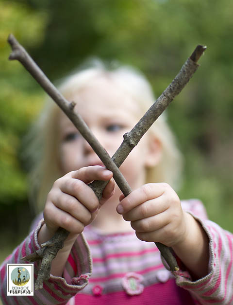 What is forest school? And how could your child benefit? Nature preschools and forest schools have become popular recently. With good reason, since this form of early childhood education has many benefits.