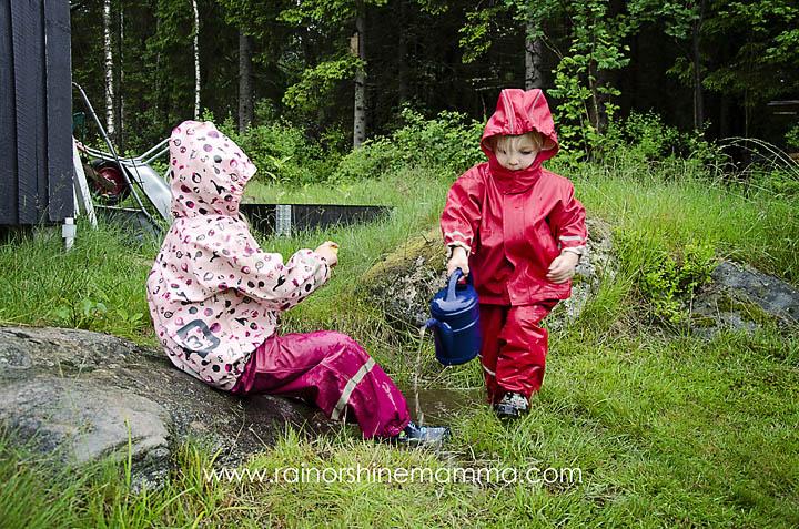 Outdoor Play Ideas and Tips for Rainy Days. Rain or Shine Mamma.