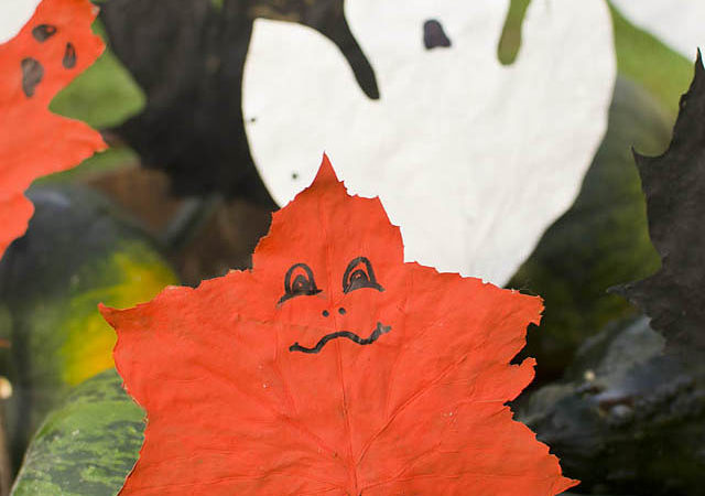 Leaf Ghost Puppets: Fun Halloween Craft for Kids