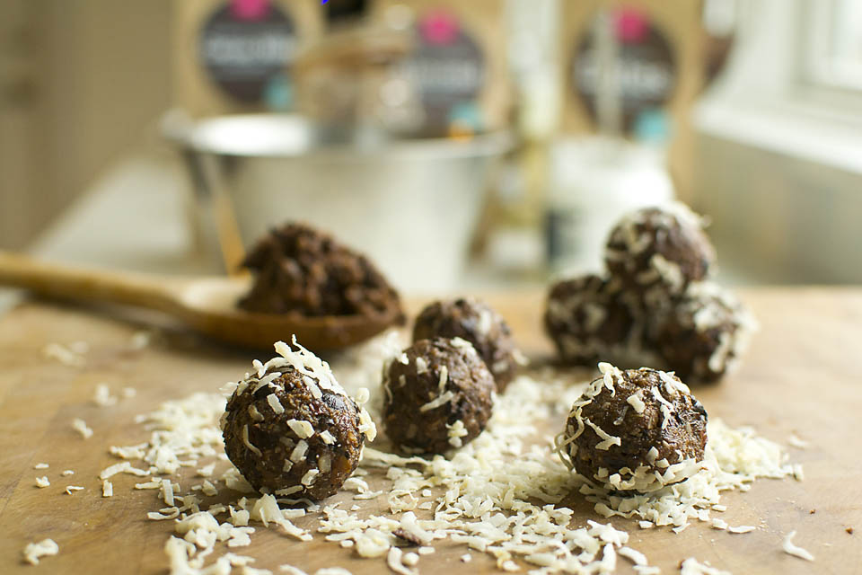 Healthy Chocolate Snacks For the Trail and Beyond (Vegan, GF). A nutritious, homemade treat that satisfies all your sweet cravings. Raw, vegan, gluten-free and refined-sugar free. Pure, raw chocolate, perfect for hiking and snacking on the go.